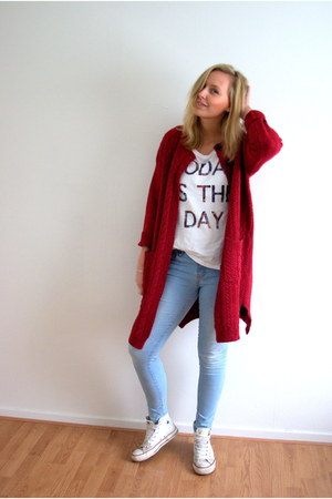 ruby red knit Yesstyle cardigan - light blue Lidl jeans - white Hema shirt