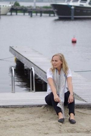wibra jeans - c&a shirt - boutique scarf - LeBunnyBlue flats
