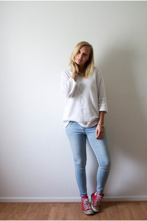 Converse shoes - esmara jeans - vintage sweater