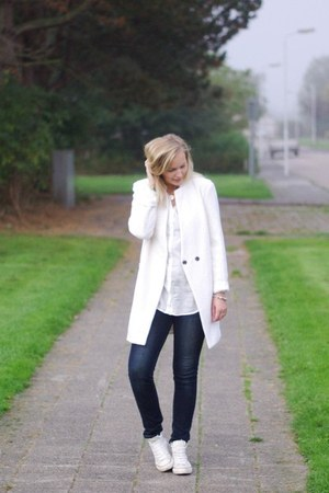 white H&M shirt - ivory Yesstyle coat - navy Yesstyle jeans