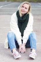 sky blue WE fashion jeans - cream bomber Yesstyle jacket