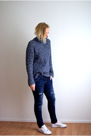 navy Choies jeans - blue H&M sweater - ivory nike sneakers