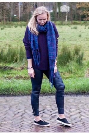 blue knitted Sevenbien scarf - magenta Vero Moda sweater