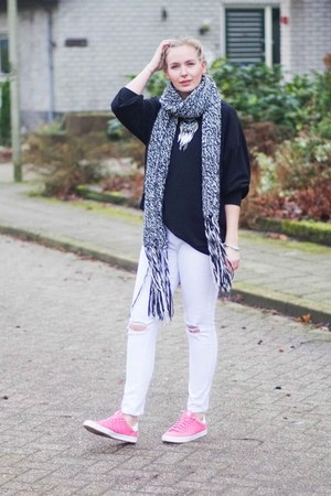 white ripped jeans LWS jeans - black oversized Choies sweater
