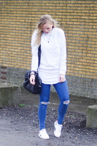 white H&M sweater - blue jeggings pieces leggings - white LWS shirt