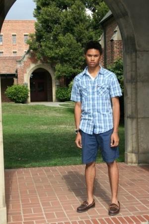 Vintage Levis shirt - Hanes t-shirt - Old Navy shorts - vintage LL Bean shoes