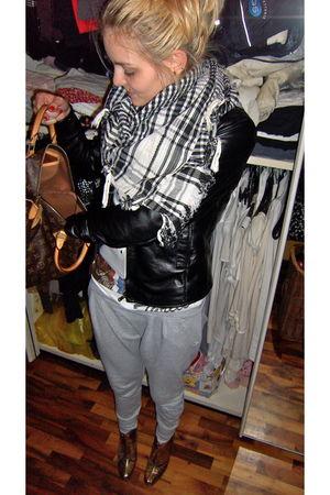 silver vintage from egypt accessories - black Vera Pelle jacket - silver flea ma