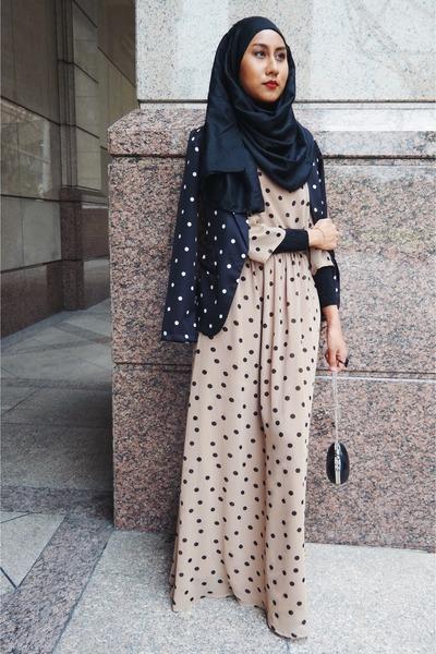 PopLookcom dress - polka dots Girlies Barn blazer - suede Pull & Bear flats