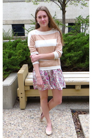 pink floral Forever 21 skirt - tan striped Shae sweater - beige JCrew flats