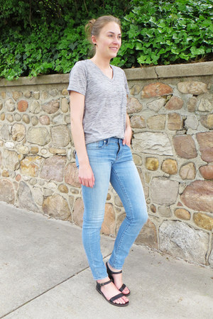 light blue madewell jeans - heather gray modcloth t-shirt