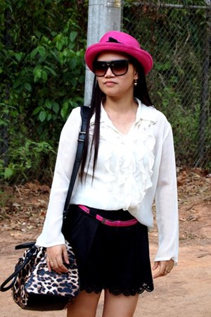 pink sm accessories hat - Primadonna bag - Dickies sunglasses