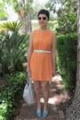 Vintage-dress-tignanello-bag-urban-outfitters-sunglasses