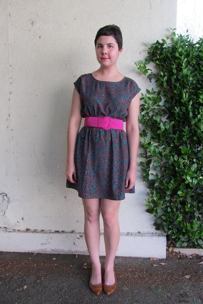 teal Be Bop dress - hot pink thrifted belt - tawny miz mooz flats