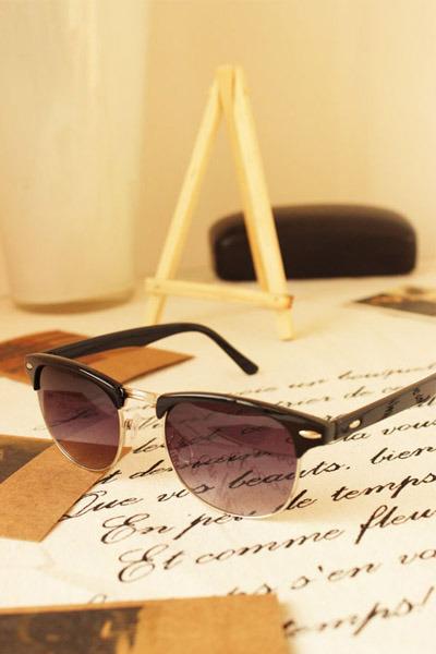 black 2amstyles sunglasses