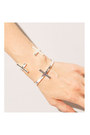 Chic-cross-2amstyles-bracelet