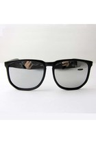 Retro Large Frame Squared Black Sunglasses (Pre Order 14 days)