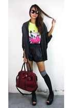 brick red 2amstyles bag - black 2amstyles shorts - yellow 2amstyles top