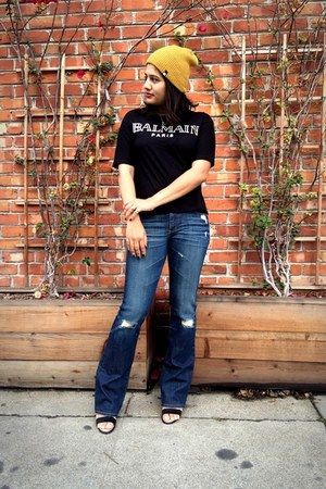 mustard DC hat - blue AG Ariana Goldschmied jeans - black Sheinsidecom t-shirt