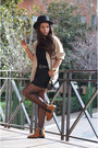 Burnt-orange-mulaya-boots-black-h-m-hat-beige-corte-fiel-cardigan
