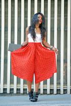 red vintage pants - white intimisimi intimate - black Mari Paz sandals