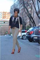 black vintage sweater - brown Mango shoes - cream Vicosta bag
