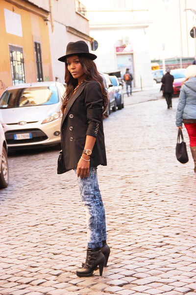 D&amp;G blazer - Primark boots - Fendi t-shirt - Inside pants