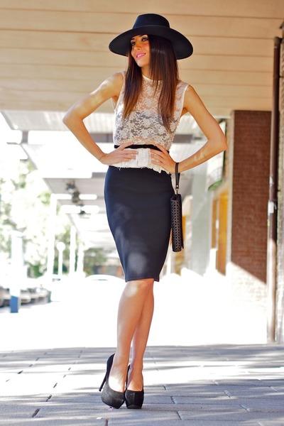 cream Lorena panea top - black H&M hat - black Fun&Basic bag
