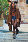 Dark-brown-marypaz-boots-blue-levis-shorts