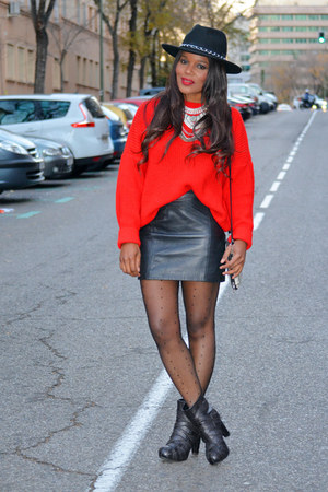 red united colors of benetton sweater - black Zara skirt