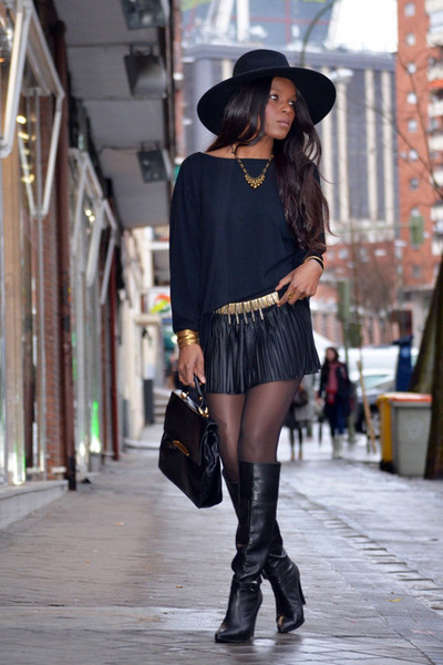 black H&M hat - nude Zara boots - black vintage bag - black cristian lay shorts