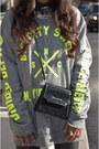 Chartreuse-fama-boots-black-zara-leggings-black-vintage-bag