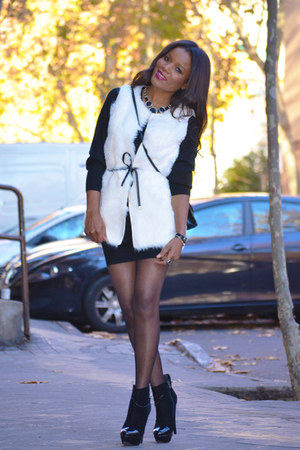white el corte ingles vest - black fama boots - black Massimo Dutti dress