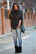 black Bershka boots - black Cortefiel sweater - black vintage bag