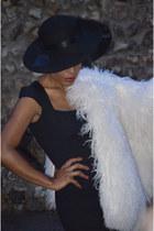 white Nuria sugar madrid coat - black Zara dress - black Merceria segovia hat