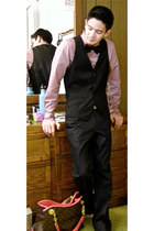 black bow tie tie - light purple Sisley shirt - black Zara pants