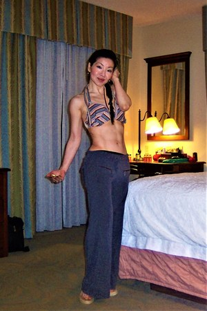 charcoal gray gym wear Victorias Secret pants
