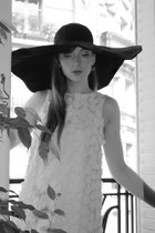 black Atmosphere hat - cream Topshop dress