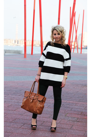 with zips Zara leggings - warehouse bag - oversized Zara top
