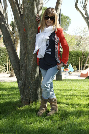 blue algodon jeans - tan ante boots - orange rizo y gasa jacket