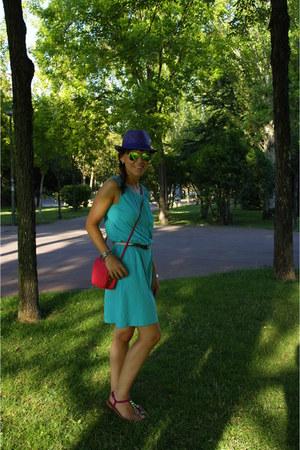 hot pink bag - purple hat - green sunglasses - hot pink sandals