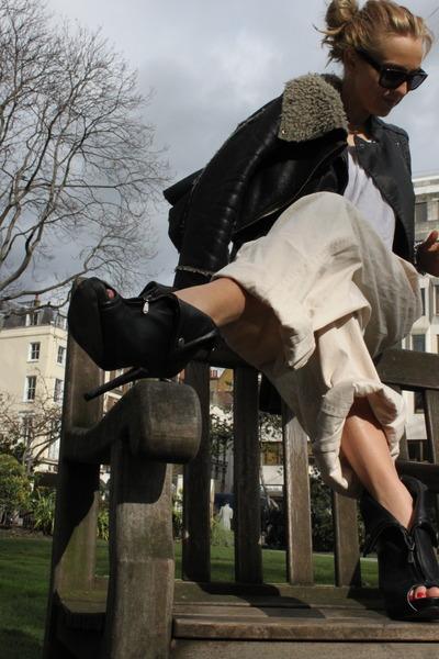 black Topshop coat - black Steve Madden shoes - beige H&M pants