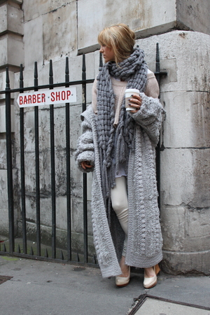 gray vintage scarf - beige Aldo shoes - beige knit Topshop sweater