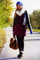 knitted George sweater - chunky laced up boots - vintage Pilot jacket - leggings