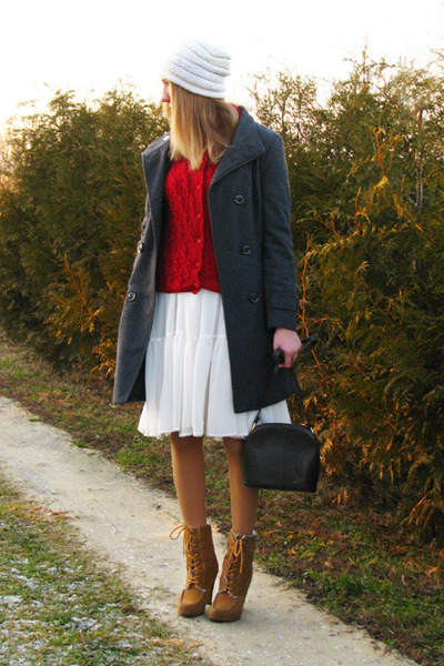 ruby red handmade knit vintage sweater - tawny laced up Primark boots