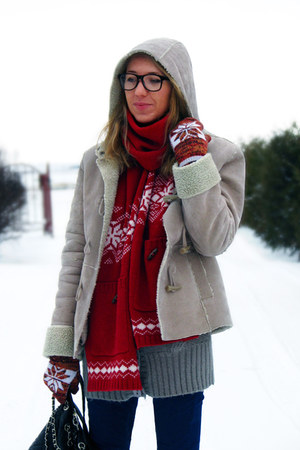 norwegian print H&M scarf - fake shearling new look coat - Primark bag