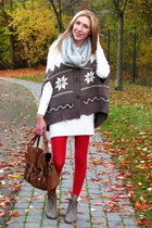 ruby red tights - tan shearling look boots