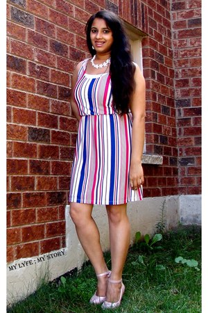 white stripe dress SwayChic dress - peach pink pumps CNdirect heels