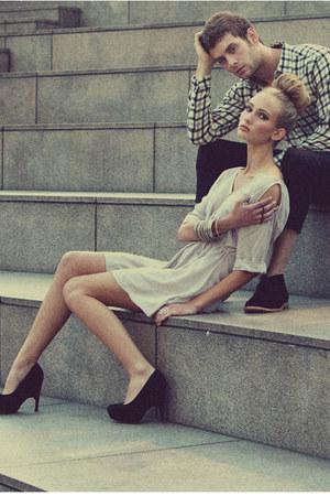 black Dolce Vita heels - neutral Something Else dress - silver Stil accessories