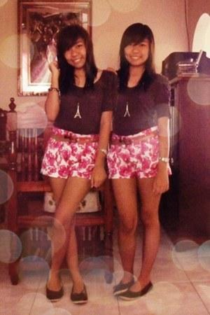 hot pink floral shorts - dark brown thrifted top - hot pink belt - mustard belt