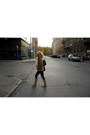 H&M bag - Guess bag - Zara coat - Oasis leggings